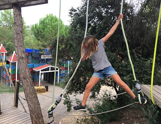 https://granjaaventurapark.com/wp-content/uploads/GRA_Fotos_carrusel_Granja_Aventura_Park_actividades_aventura_lianes_535x411_04.jpg