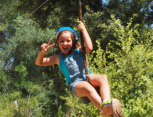 https://granjaaventurapark.com/wp-content/uploads/GRA_Fotos_carrusel_Granja_Aventura_Park_actividades_aventura_tirolines_535x411_01.jpg