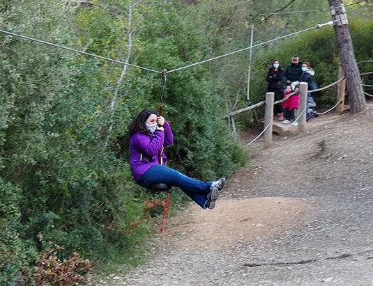 https://granjaaventurapark.com/wp-content/uploads/GRA_Fotos_carrusel_Granja_Aventura_Park_actividades_aventura_tirolines_535x411_04.jpg