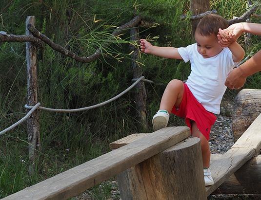 https://granjaaventurapark.com/wp-content/uploads/GRA_Fotos_carrusel_Granja_Aventura_Park_actividades_aventura_troncs_535x411_01.jpg
