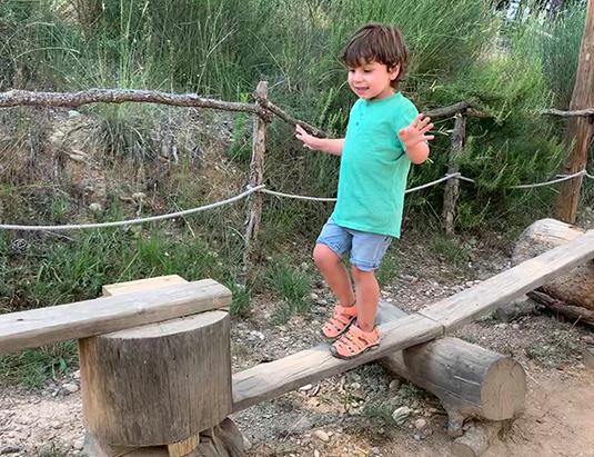 https://granjaaventurapark.com/wp-content/uploads/GRA_Fotos_carrusel_Granja_Aventura_Park_actividades_aventura_troncs_535x411_04.jpg